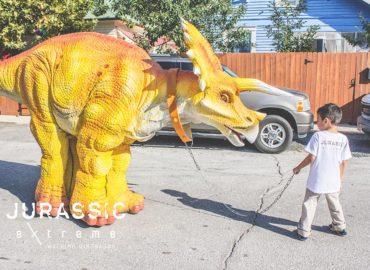 jurassic-extreme-triceratops-dinosaur-costume